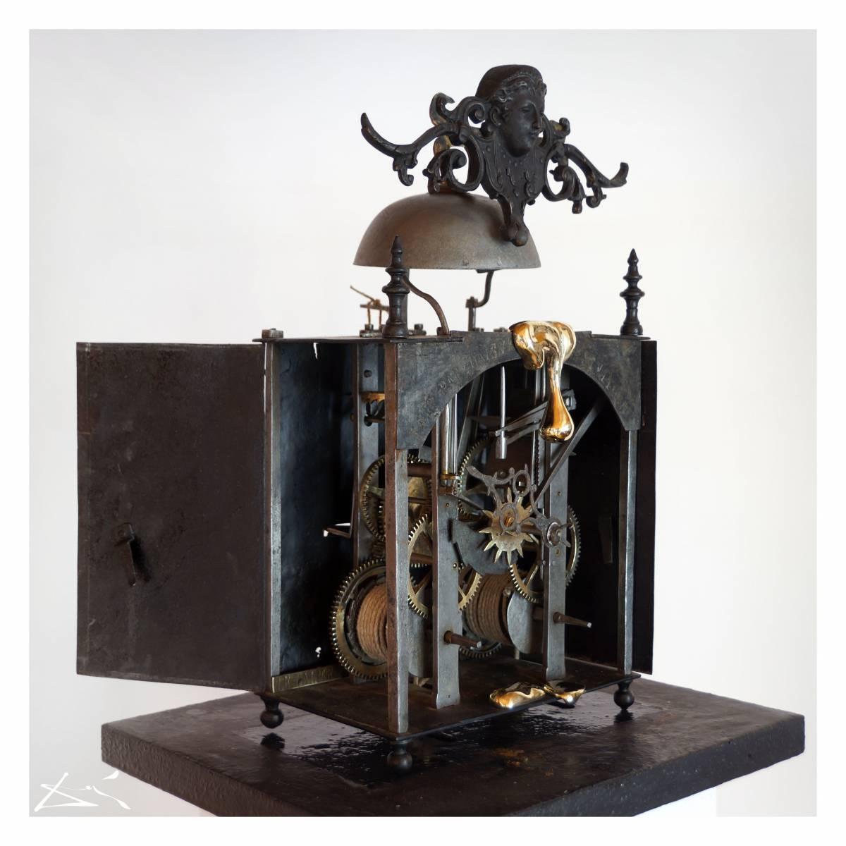 'THE CALM BEFORE THE STORM, Paris 1724' von  MUSICA Daisuke Schneider