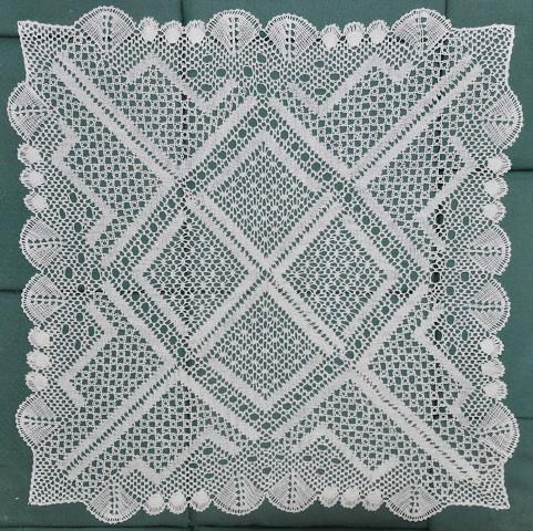 Handgeklöppelte Decke