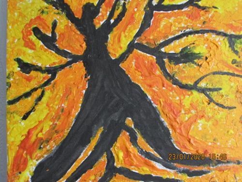 Baum flieht vor den Flammen