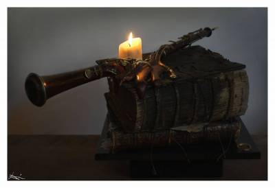 RARE PARISIAN OBOE BY LECOMTE c1870 IN CANDLELIGHT