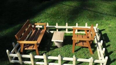 Zaun aus Holz für Kinder