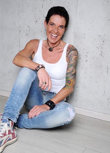 Kerstin deVries